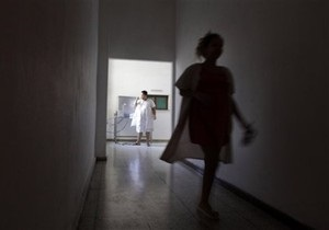 В Запорожье пенсионер выбросился с 3 этажа больницы