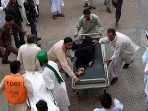 В Пакистане во время раздачи гуманитарной помощи в давке погибли 15 человек