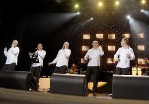 На юбилейном концерте Пиккардийской терции в Киеве будут уничтожать телевизоры и посвящать песни Анне Герман