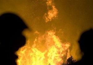 В Киеве на Осокорках горит рынок