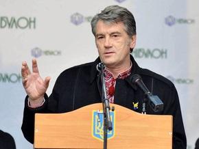 Ющенко заявил, что дышать с каждым днем становится все тяжелее и тяжелее