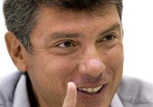 Немцов заявил, что не завидует Януковичу в случае его победы на выборах