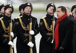 Чавес ездит по Москве на красной Ладе-Приоре