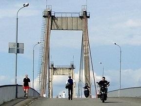 В Киеве закрыли Рыбальский мост для пешеходов