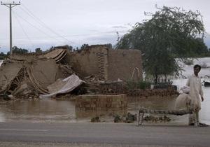 В Пакистане из-за наводнений погибли 90 человек