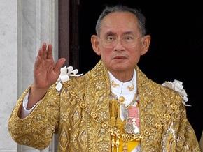 Король Таиланда пошел на поправку