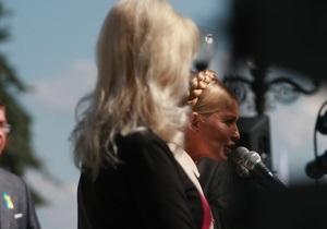 Тягнибок обиделся на Тимошенко за то, что ему не дали слово на митинге оппозиции