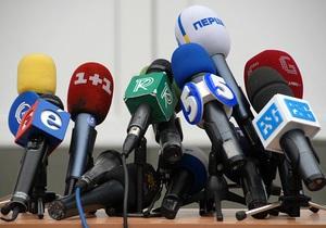 Журналисты требуют снять закон о клевете с рассмотрения, Журавский отказывается это сделать