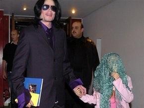 Мать Майкла Джексона подала заявление на опекунство над его детьми