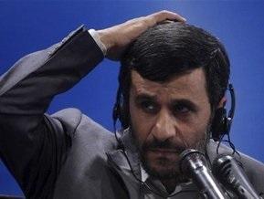 Высокопоставленный советник Ахмадинежада подал в отставку