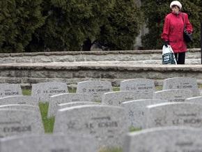В Германии осквернили около 30 могил советских солдат