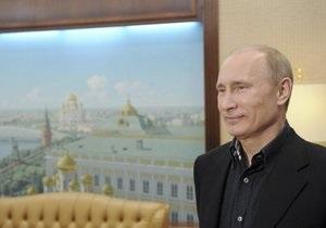 Рейтинг Путина практически вернулся к уровню 2010 года - опрос