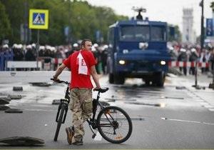 За беспорядки в Варшаве два россиянина получили сроки