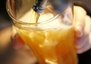 Украинский парламент готов приравнять пиво к водке и вину - СМИ