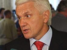 Яценюк объявил еще один перерыв. Литвин отказывается голосовать
