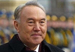 Парламент Казахстана наделил Назарбаева званием Народный герой