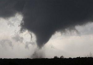 В центральных штатах США бушуют торнадо