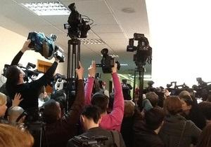 Журналистов и фотографов не пустили на заседание Кабмина с участием Януковича