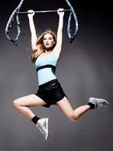 Топ-модель Бар Рафаэли представляет революционную фитнес-программу от Reebok и Cirque du Soleil- JUKARI Fit to Fly