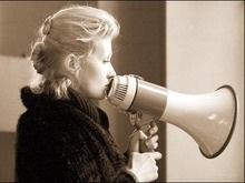 Рената Литвинова посоветовала Собчак  не переживать из-за своей челюсти