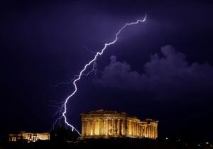 Рейтинг Греции понижен до ограниченного дефолта