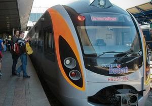 Поезд Hyundai насмерть сбил 16-летнюю воспитанницу интерната