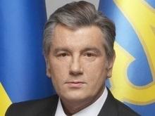 Ющенко повышает зарплату учителям украинского языка и литературы