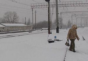 В Винницкой области 17-летняя девушка бросилась под поезд и погибла