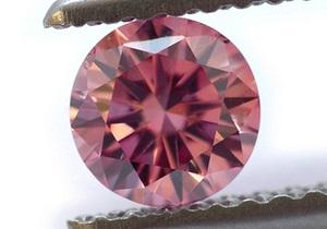 Один на сто тысяч: в Гонконге выставили на торги редчайший розовый бриллиант