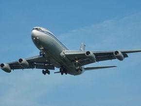 Самолет из Анталии прилетел в Москву с отключенным двигателем