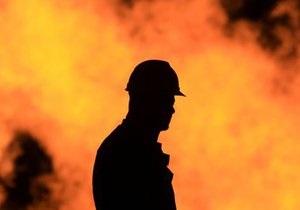 В Подмосковье мужчина поджег дом, открыл огонь по пожарным и застрелился сам