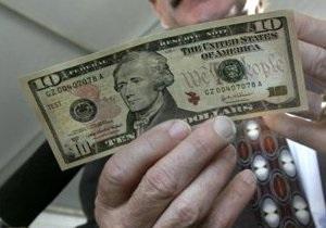 Гривна на межбанке торгуется у двухгодичных минимумов к доллару