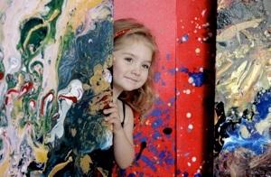 В Нью-Йорке проходит выставка самой юной художницы в мире