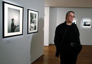На торги Christie s выставят неизвестные фото Beatles