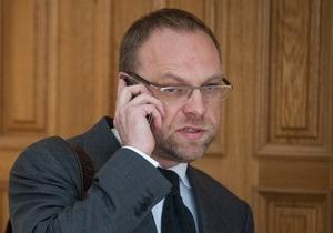 Власенко: Чтобы увидеть нарушения в деле Тимошенко, не надо быть Коксом