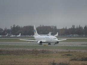 Конголезца, спрыгнувшего с трапа самолета, и его пятерых товарищей, депортировали из Украины