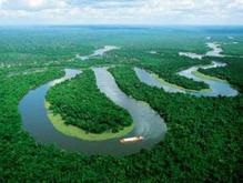 В водах Амазонки затонул паром, 20 пассажиров пропали без вести