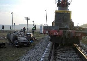 В Днепропетровской области на железнодорожном переезде произошло ДТП: есть жертвы
