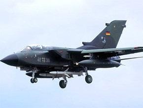 В Германии при выполнении аварийной посадки перевернулся истребитель
