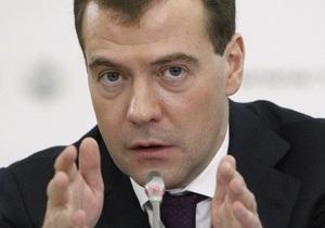 Медведев раскритиковал слова Путина о крестовых походах в Ливии