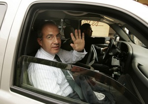 Семья президента Мексики может покинуть страну в ноябре