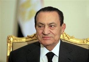 СМИ: Мубарак вместе с семьей покинул Каир