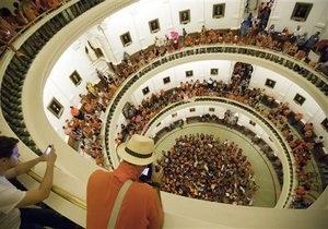 Техас принял закон, ограничивающий аборты