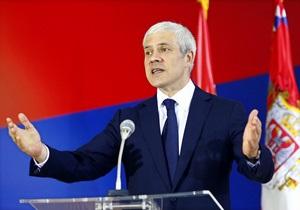 Президент Сербии ушел в отставку
