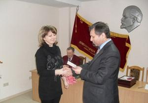 Неизвестные побили стекла в машине лидера тернопольских коммунистов
