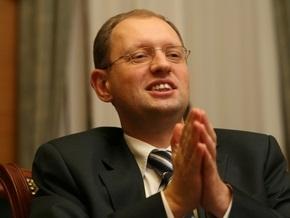 Яценюк: Уже трижды отправили дважды отставленного Стельмаха