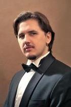 Винодел Роберт Гулиев представляет концерт оперной звезды, контртенора Юрия Миненко, в Одесской филармонии