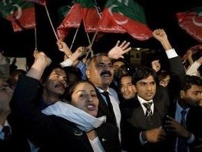 Оппозиция победила: верховного судью Пакистана восстановят в должности