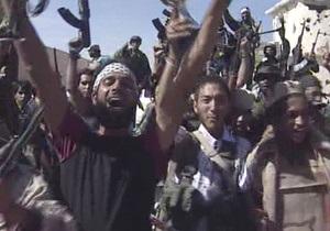 Би-би-си: Боец, нашедший Каддафи, забрал у него золотой пистолет