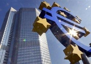 Курс евро снижается из-за долговых проблем Италии